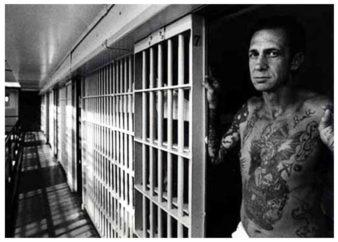 קעקועים בכלא